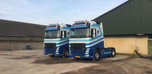twee trucks